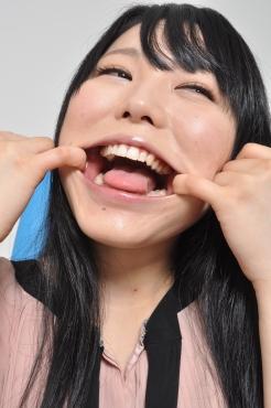 川越ゆいちゃん 自ら口内鑑賞