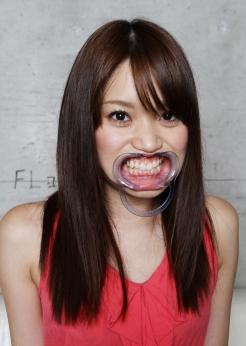 激カワ! 朝田ばななちゃんの歯とのどちんこ