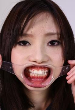 莉子チャン きれいな歯ですね~